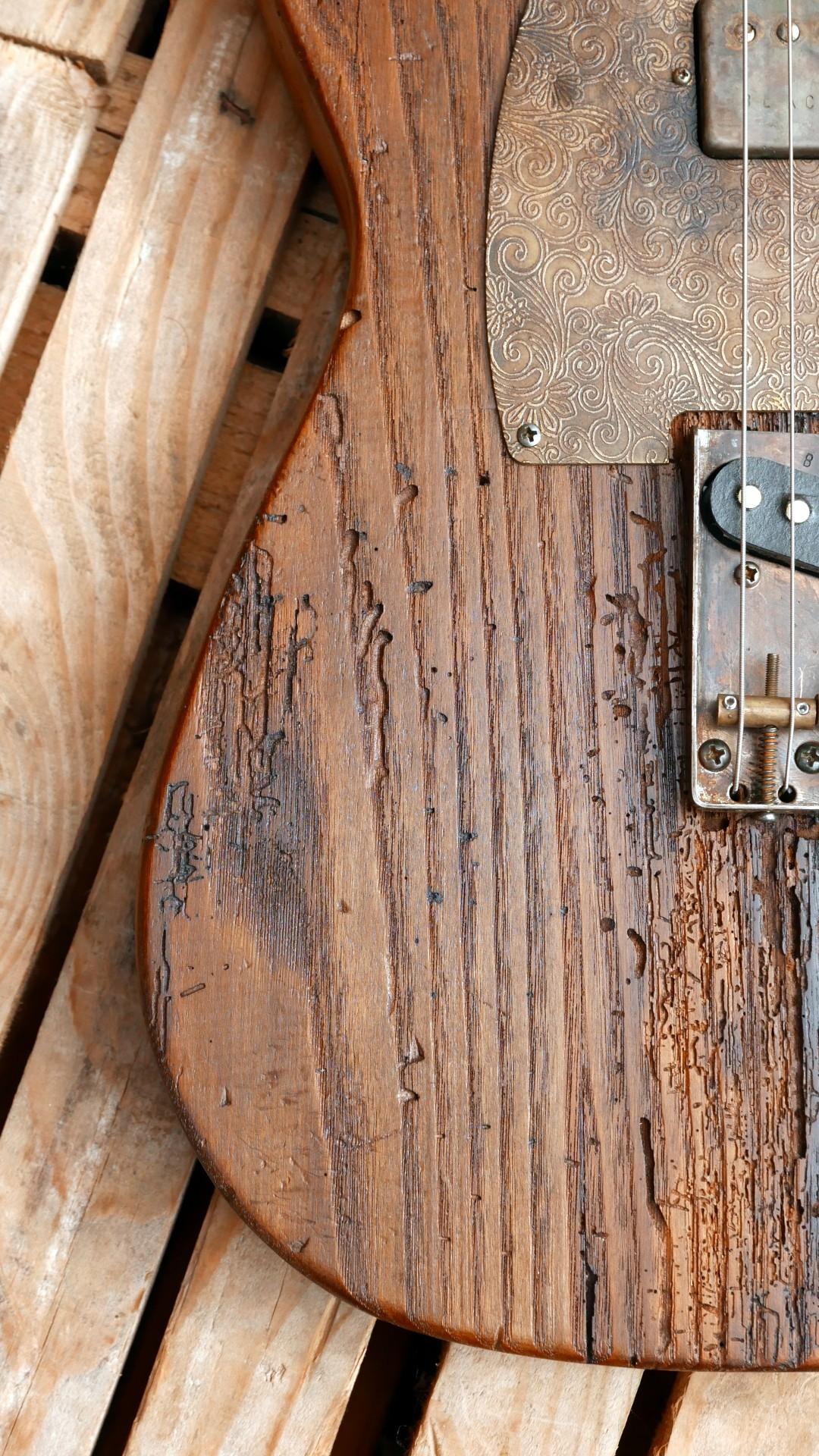 chitarra telecaster legno tarlato
