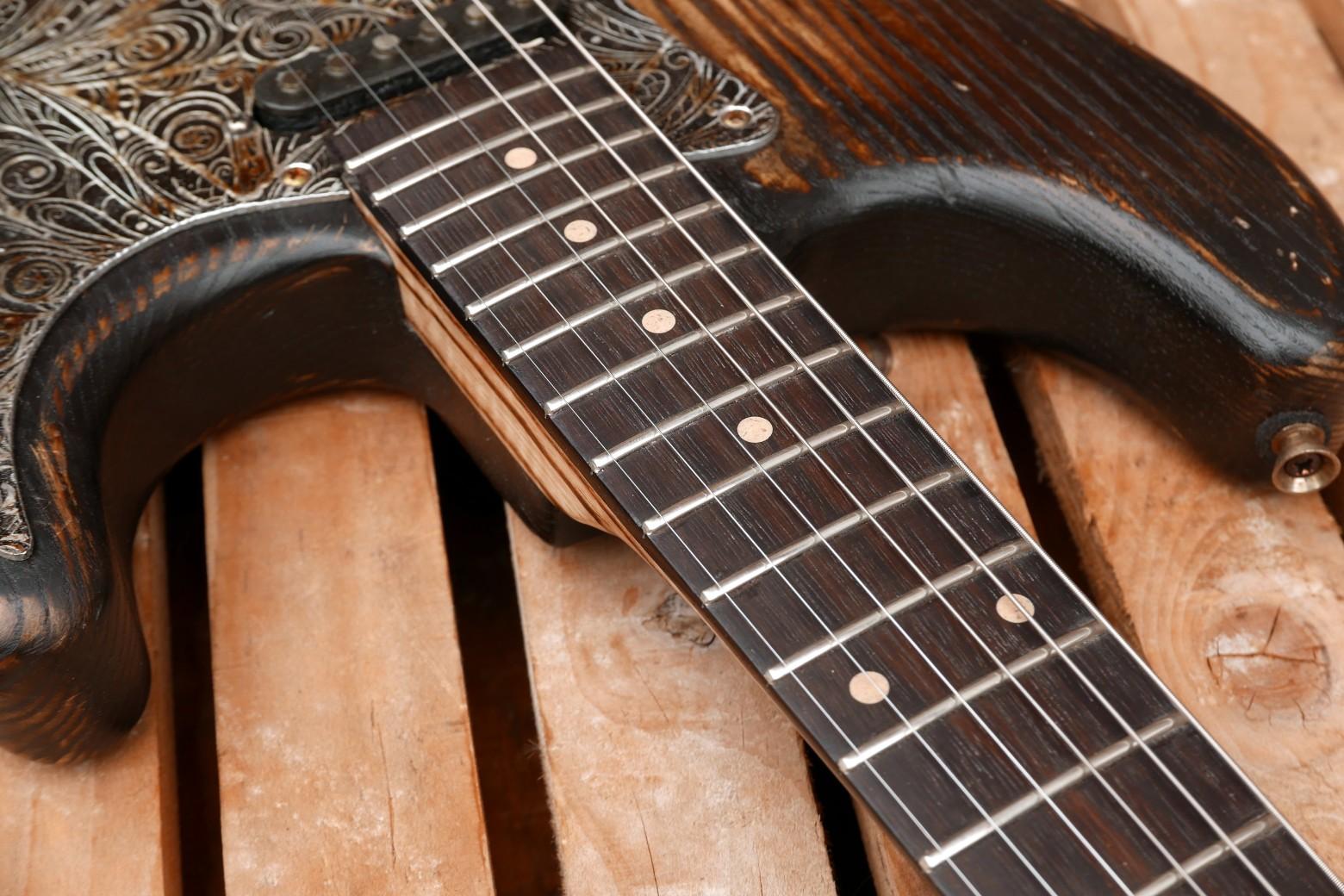 chitarra stratocaster tastiera