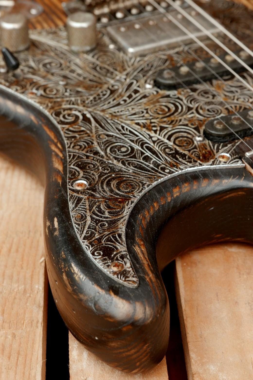 chitarra stratocaster dettaglio battipenna