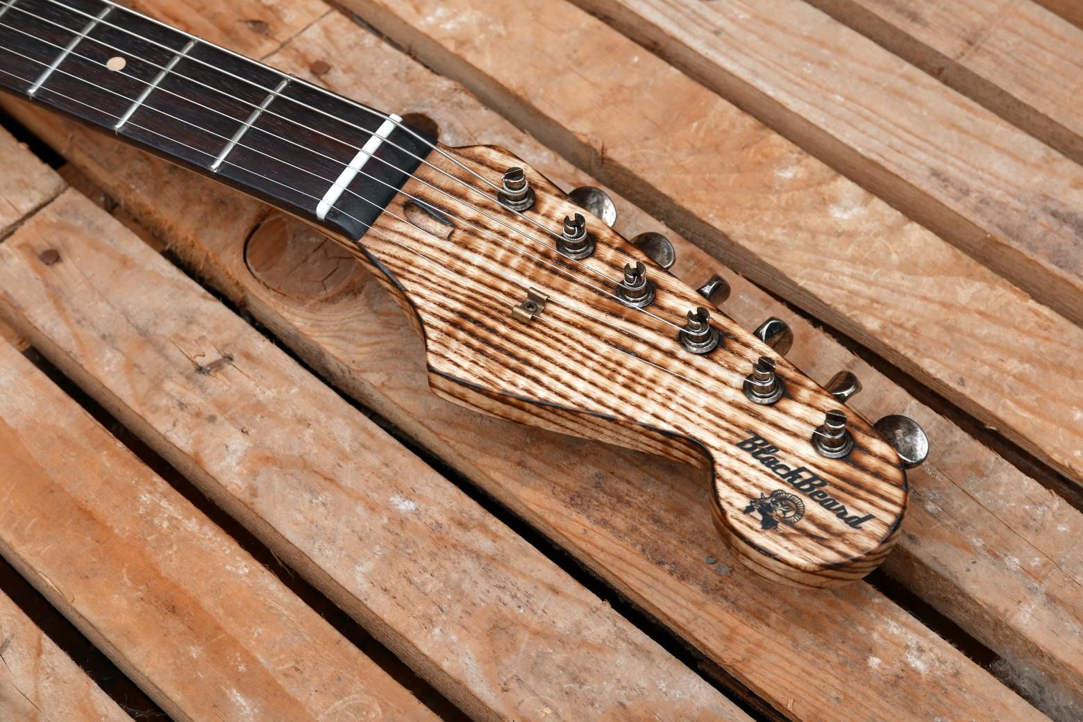 chitarra stratocaster headstock