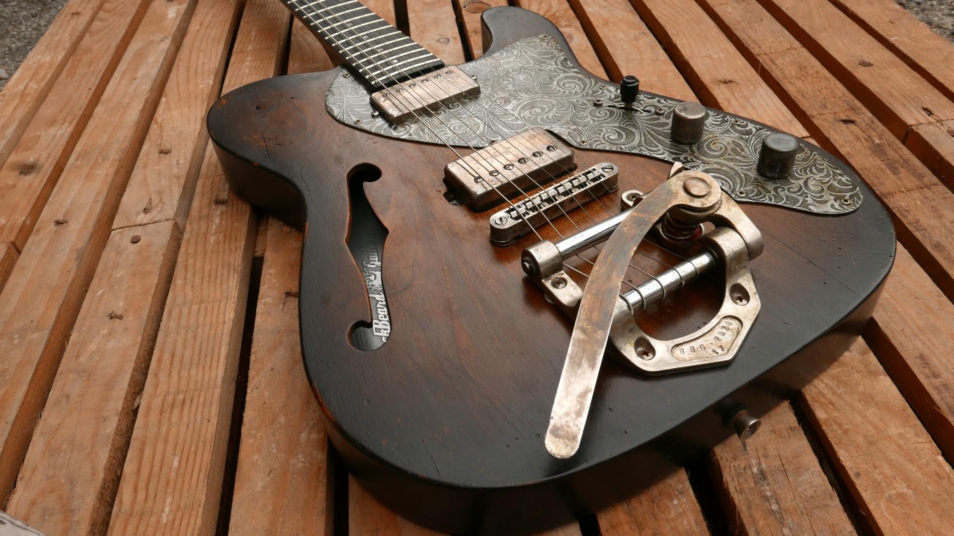 body chitarra con tremolo