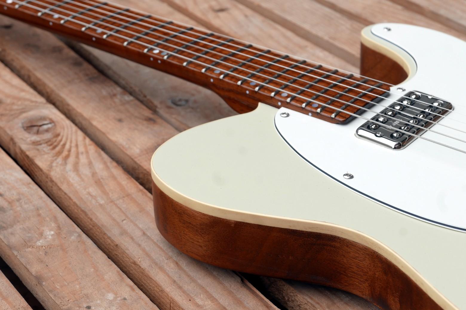 chitarra telecaster dettaglio binding