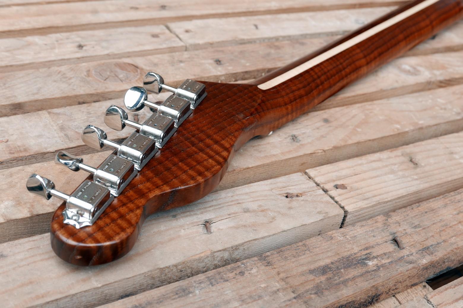 chitarra telecaster paletta retro