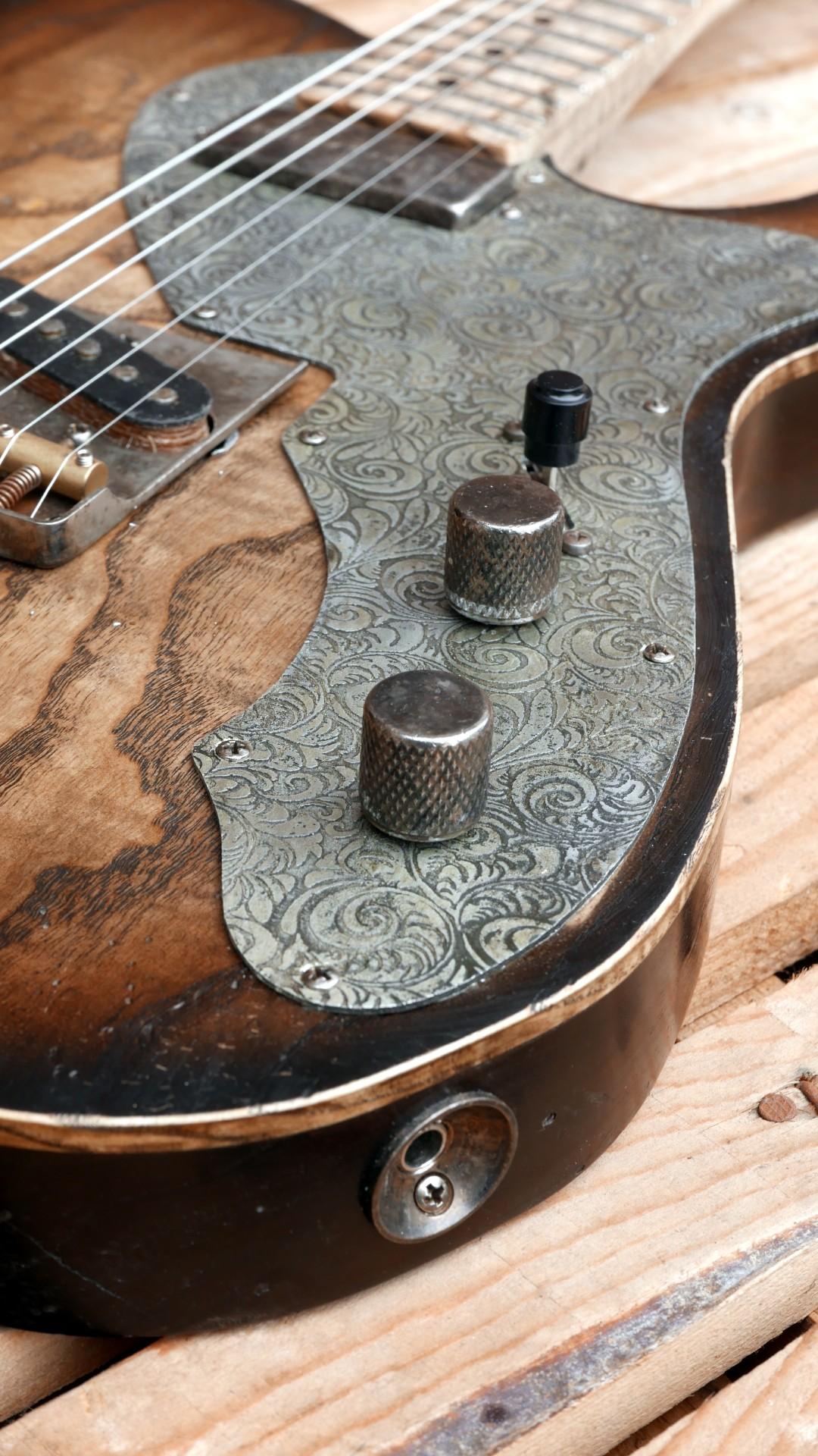 chitarra telecaster battipenna