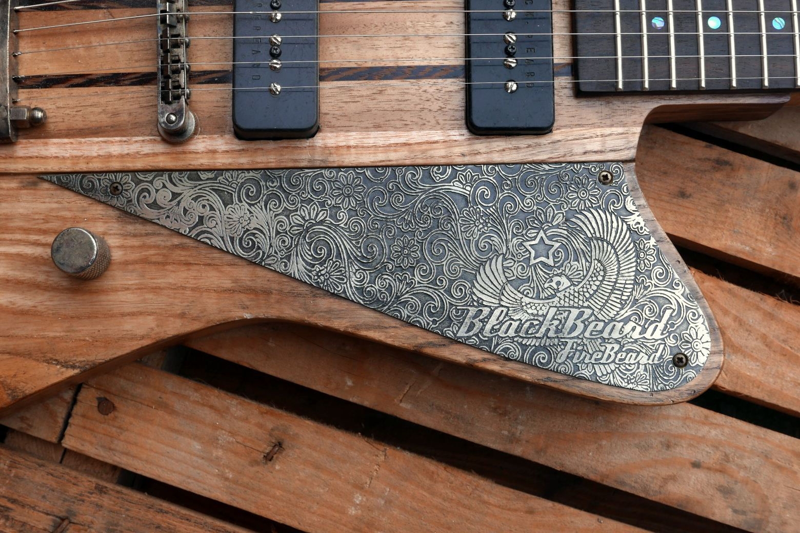 engraved alluminium pickguard