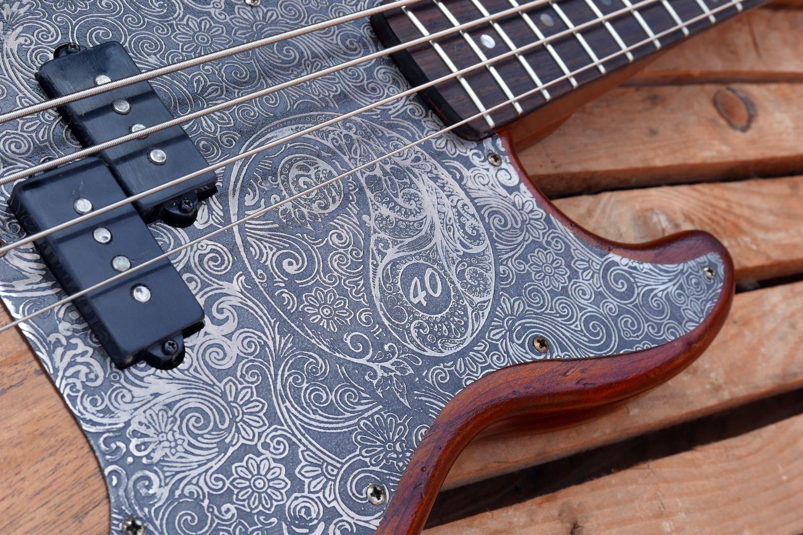 alluminium engraved pickguard