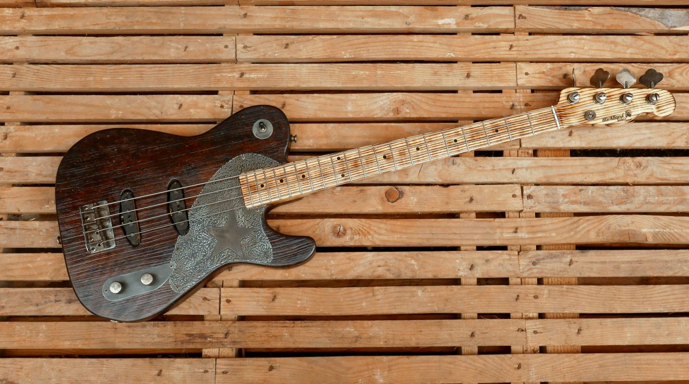 tele bass front