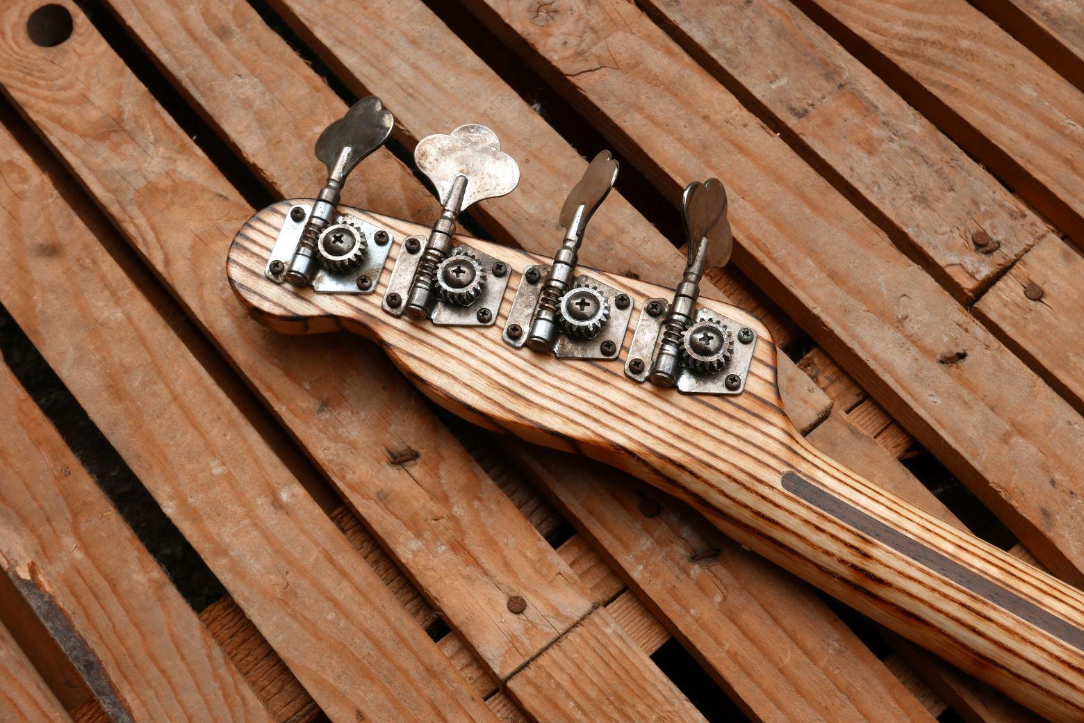 tele bass headstock