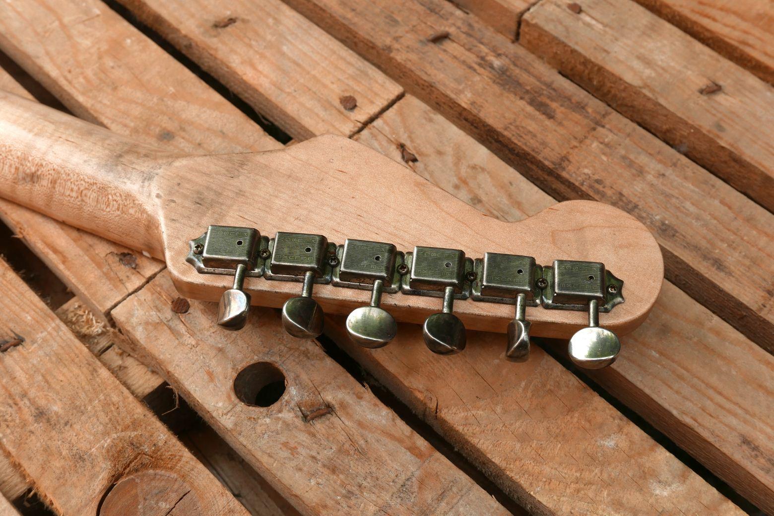 chitarra stratocaster meccaniche kluson