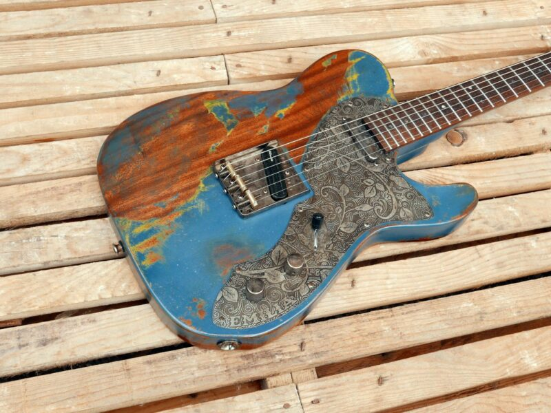 chitarra telecaster in mogano