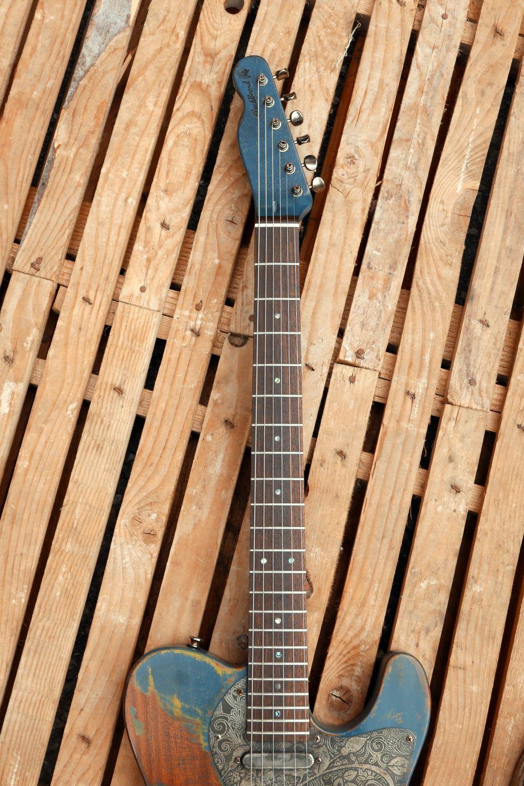 chitarra telecaster in mogano manico